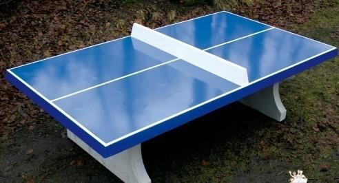 Tischtennisplatte blau aus Beton
